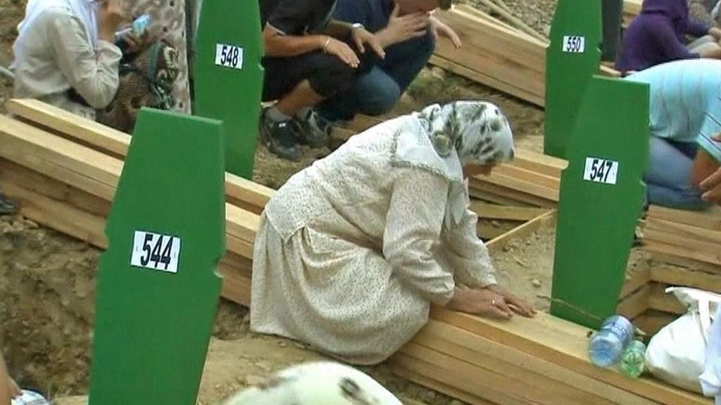 Šestnácté výročí masakru ve Srebrenici