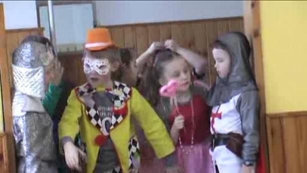 Děti z Poběžovic slaví masopust