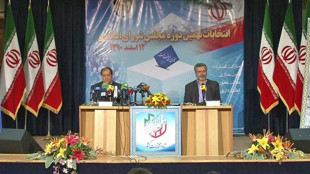 Brífink íránského ministra vnitra Mohammeda Nadžára