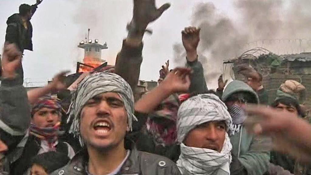Afghánci protestují proti spálení koránu