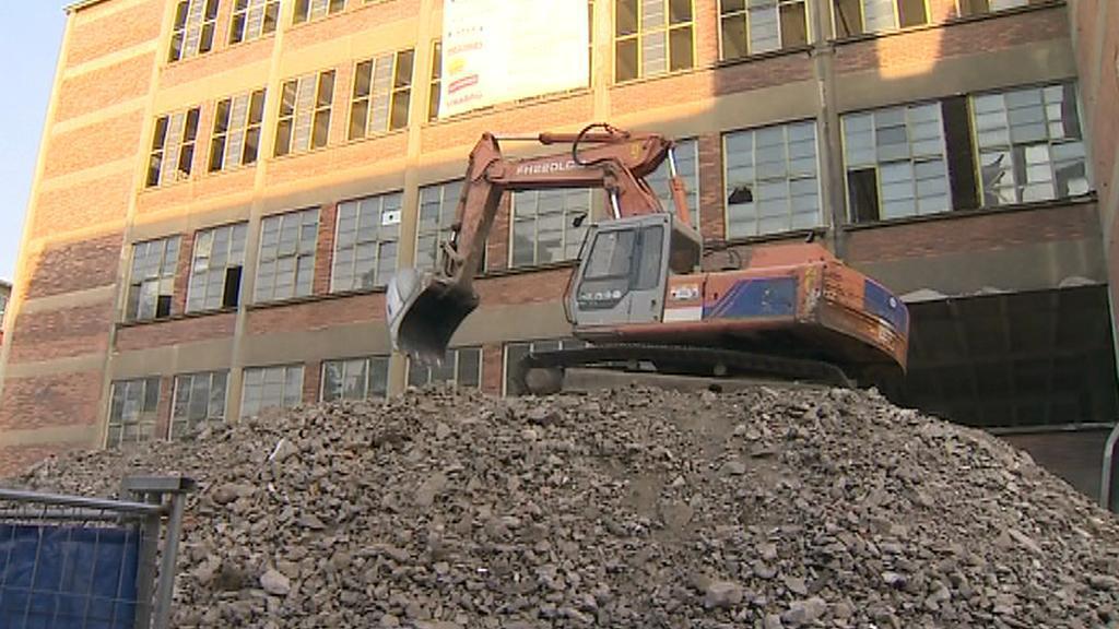 Přestavba budov v bývalé továrně Baťa