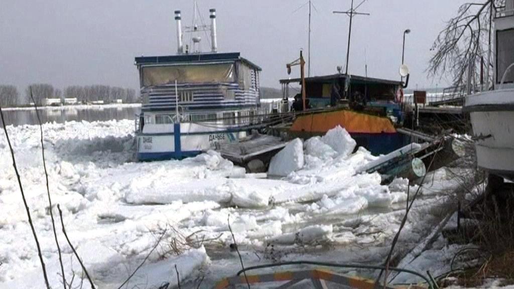 Ledové kry poničily lodě v bulharské Silistře