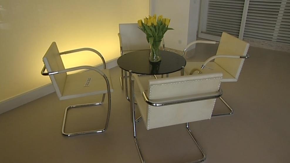 Podobný nábytek používali i původní majitelé vily