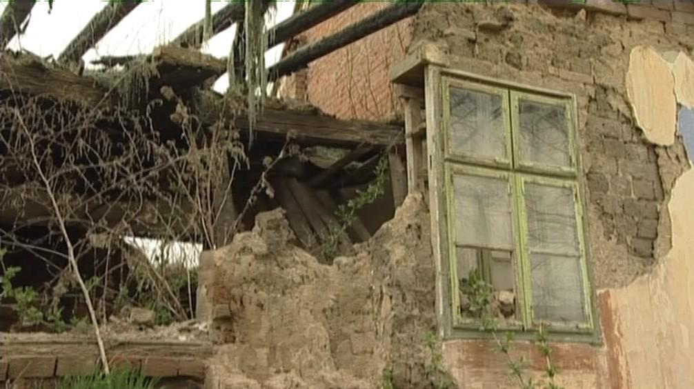 Ruiny památkově chráněného domu ve Slupi u Znojma