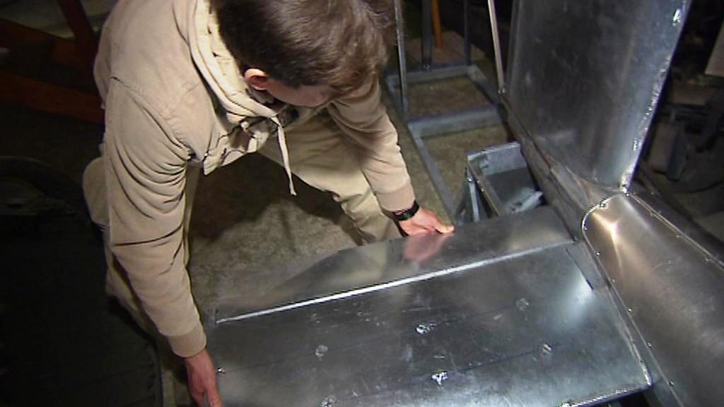 Michael Šafránek staví model V 1
