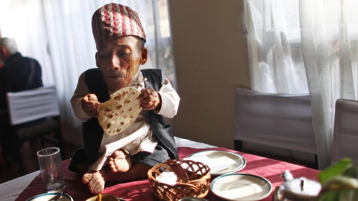 Nejmenší člověk světa - Nepálec Dangi