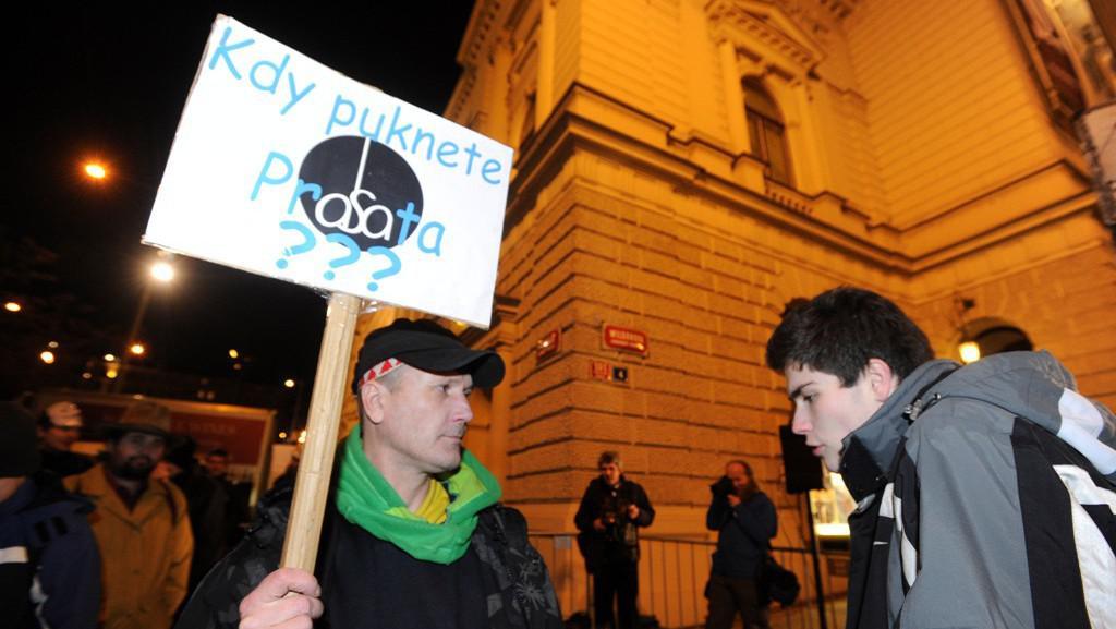 Protest proti plesu v opeře