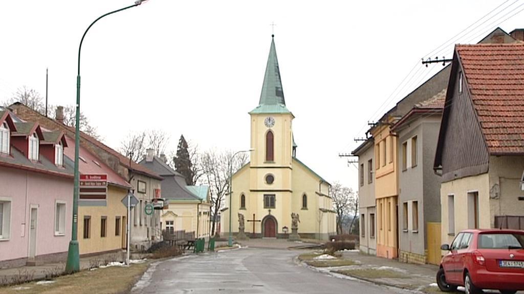 Kostel v obci Horní Jelení
