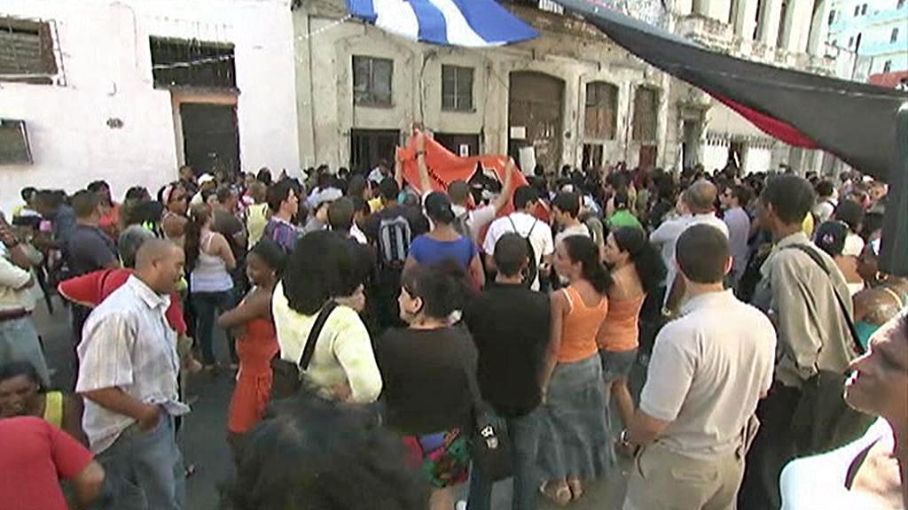 Demonstranti narušili vzpomínku na Orlanda Zapatu