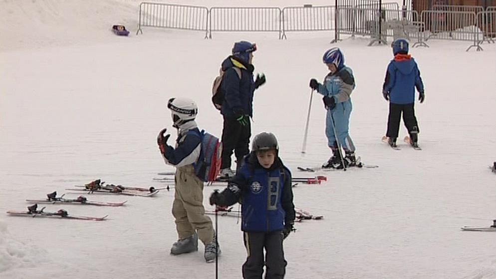 Děti na lyžařském výcviku v Olešnici