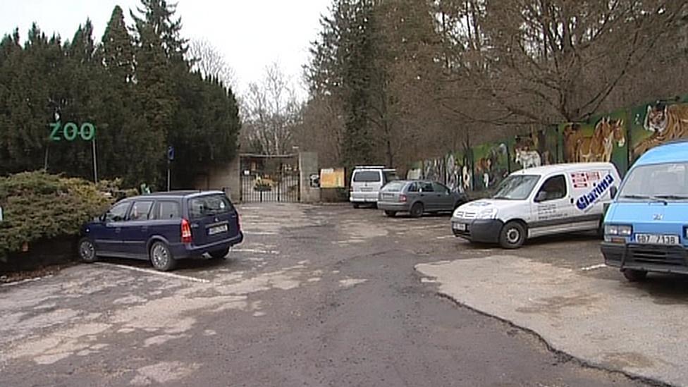 Současné parkování před zoo