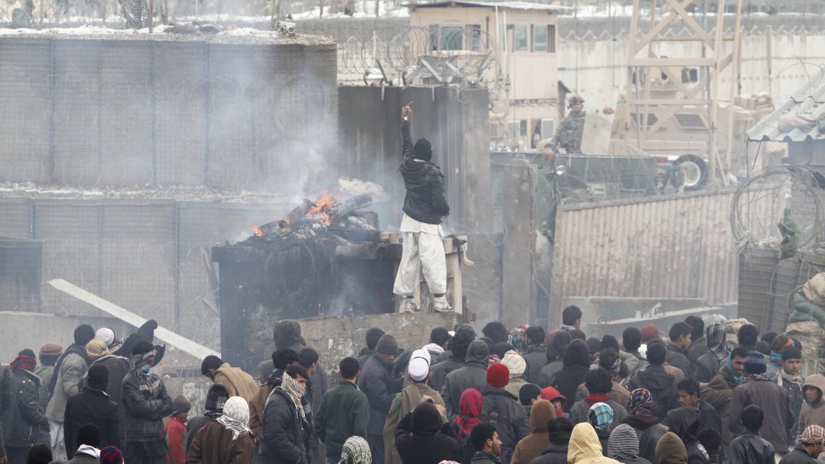 Protesty proti spálení koránu