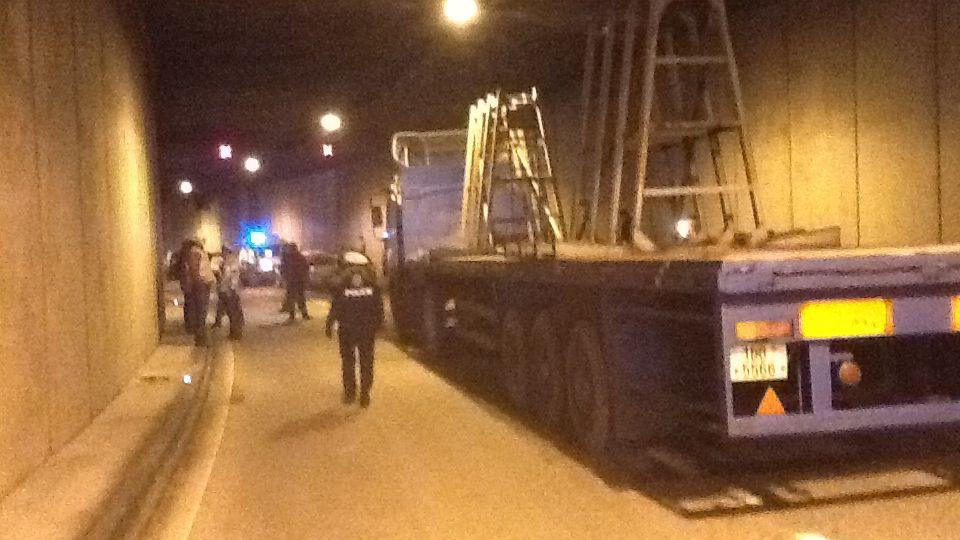 Nehoda v Husovickém tunelu v Brně