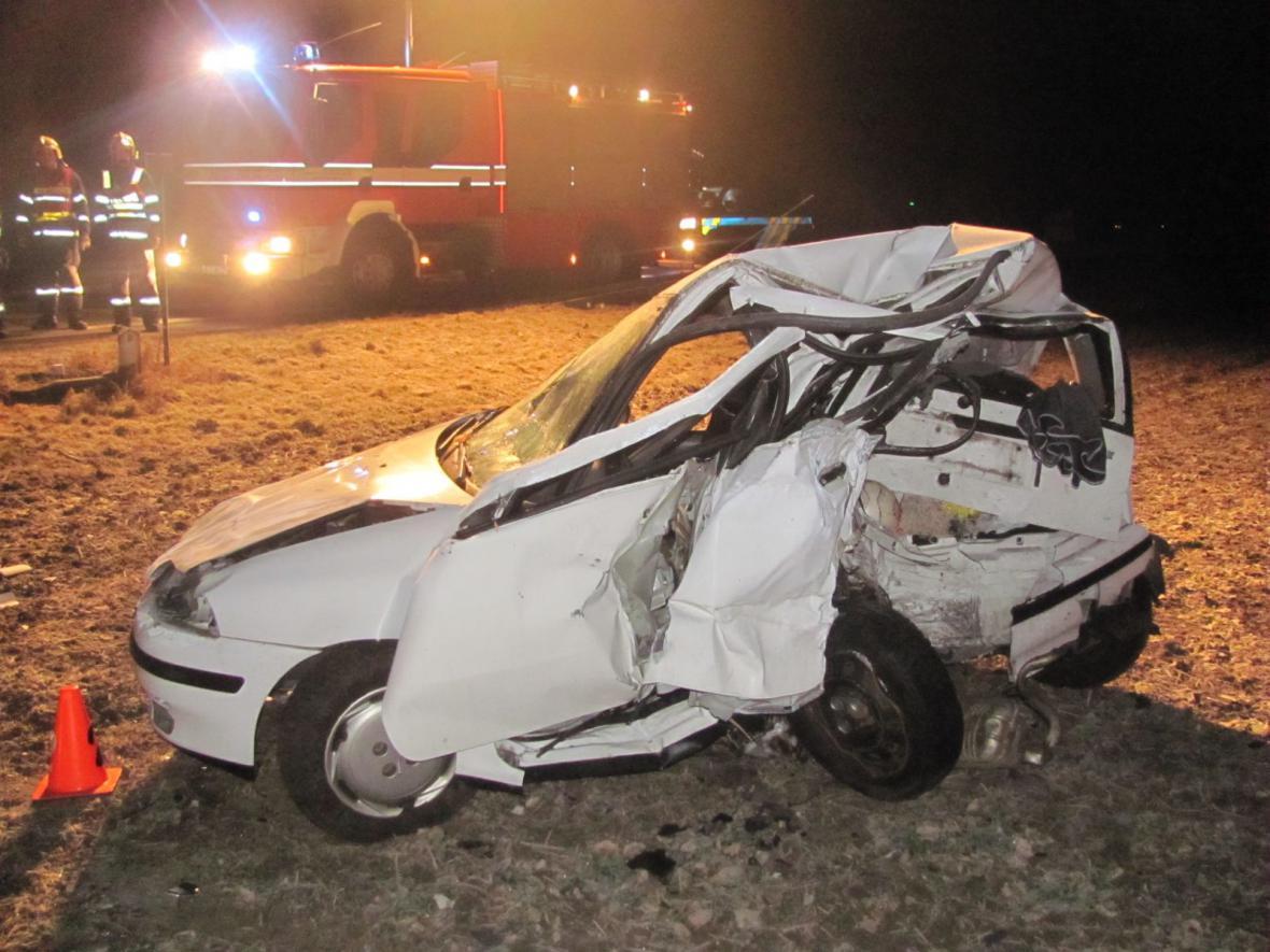 Řidič fiatu vážným zraněním podlehl