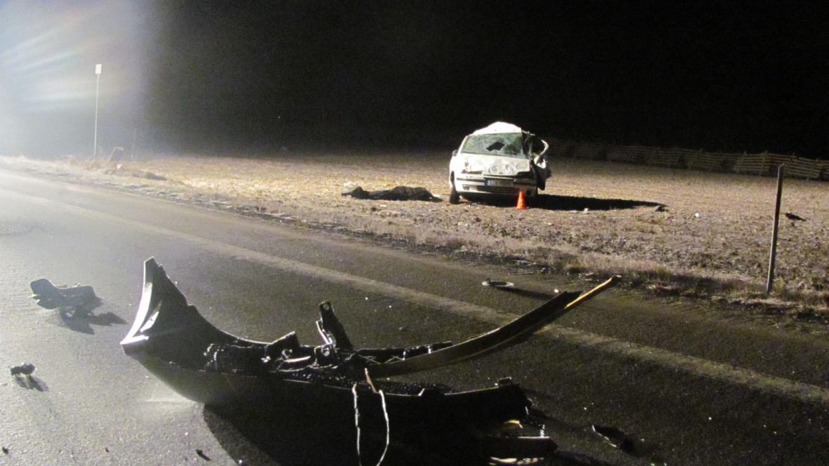 Tragickou nehodu způsobil opilý řidič, který zezadu narazil do jiného auta