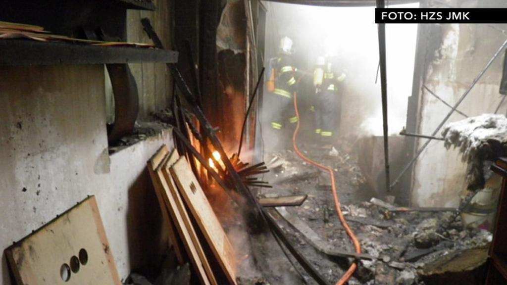 Vyhořelá dílna v Čeložnicích