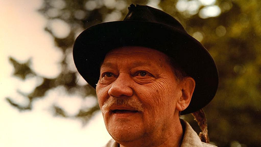 Rudolf Hrušínský v seriálu Rodáci (1988)