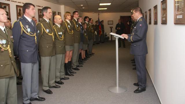 Vyhlašování oceněných vojáků