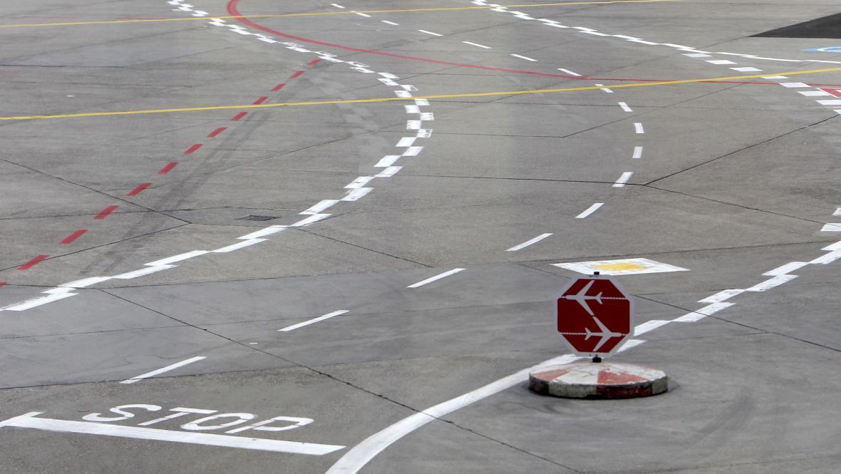 Osiřelá plocha frankfurtského letiště