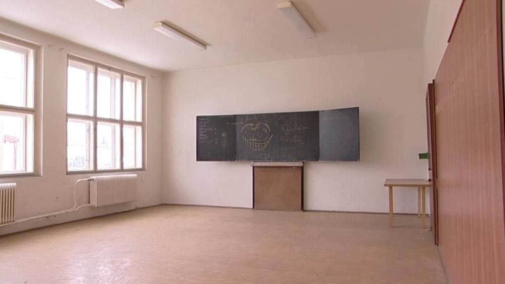 Prázdné třídy bývalého strojírenského učiliště