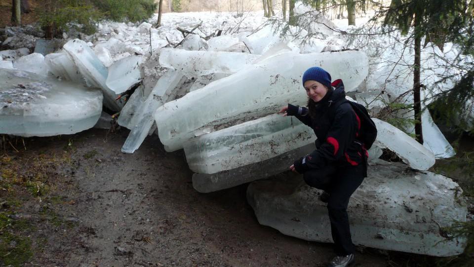 Vyplavené ledové kry u obce Skryje