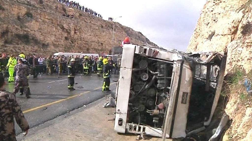 Nehoda školního autobusu