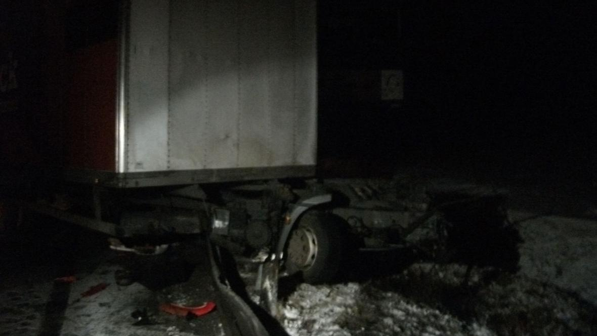 Kamionu se nárazem utrhla kabina