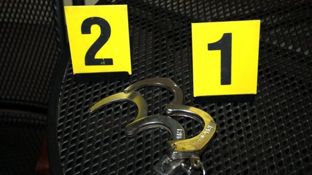 Muže našli policisté v poutech