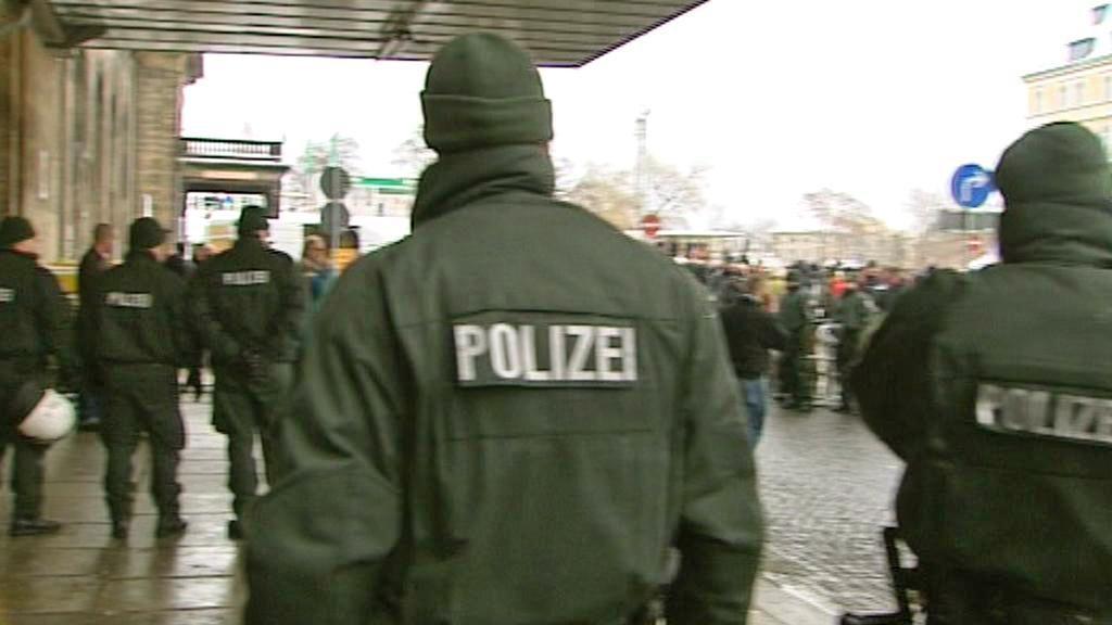 Na pochod v Drážďanech dohlíží policie