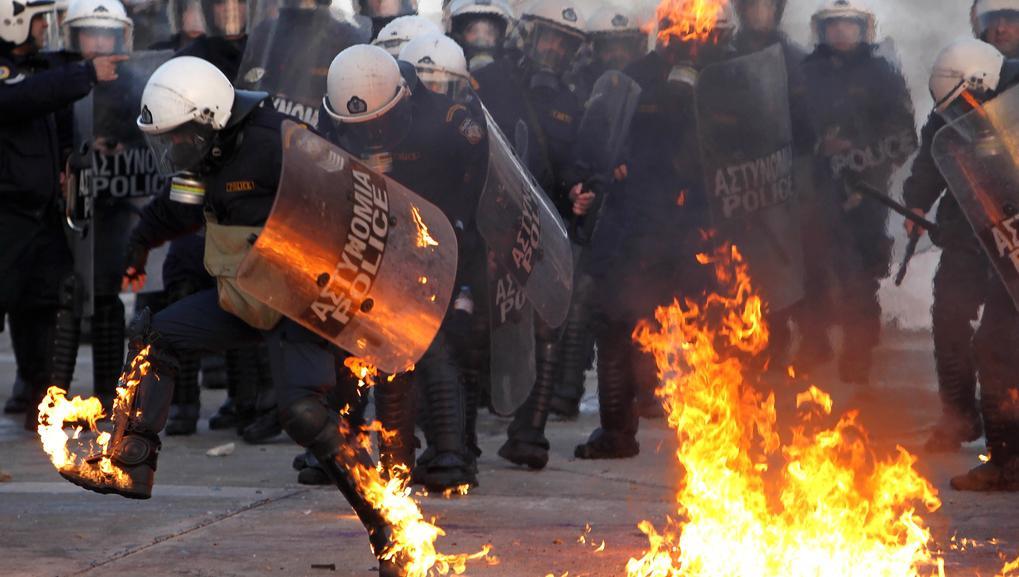 Střety v ulicích Atén