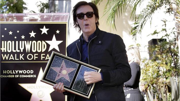 Paul McCartney dostal hvězdu na chodníku slávy