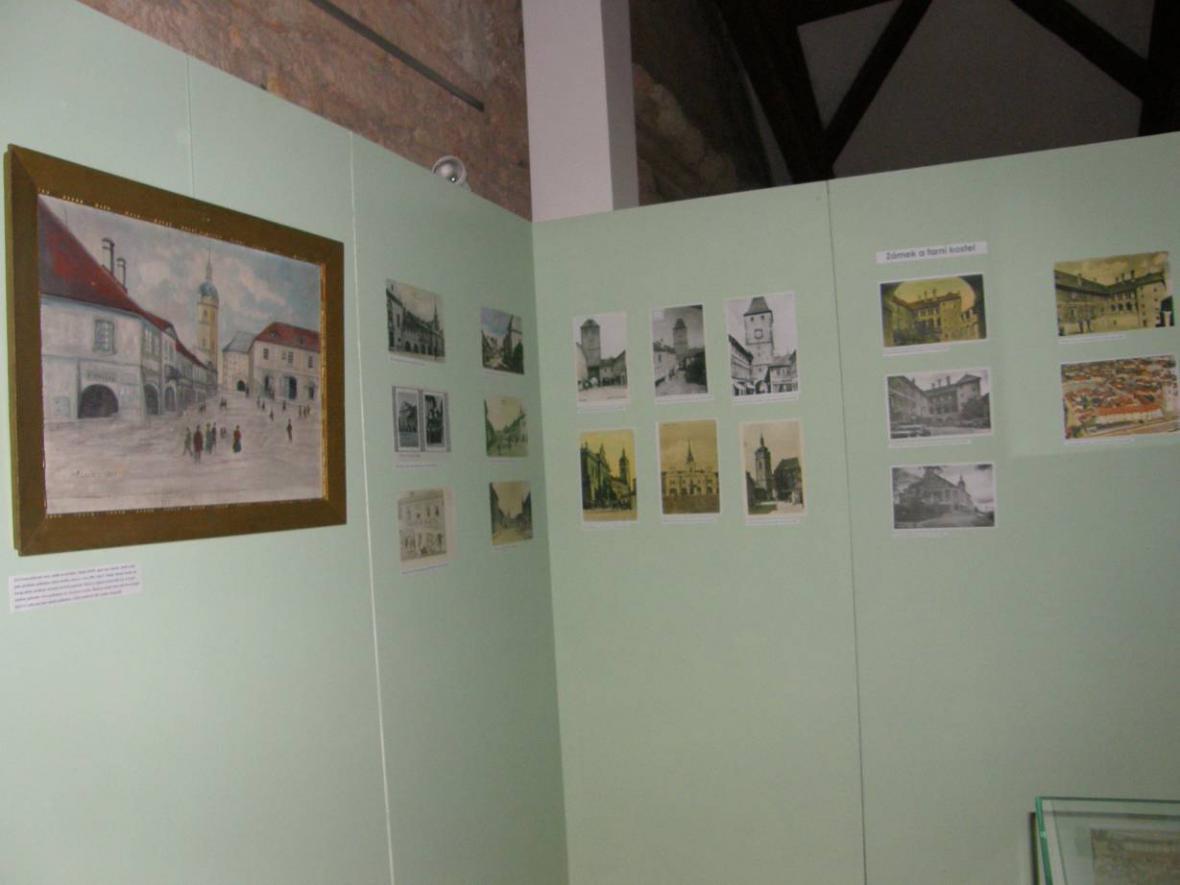 Z výstavy Město Mělník na dobových pohlednicích