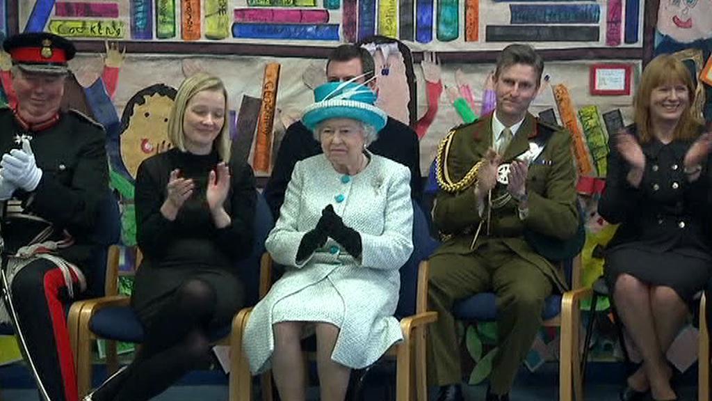 Alžběta II. při návštěvě města King's Lynn v hrabství Norfolk