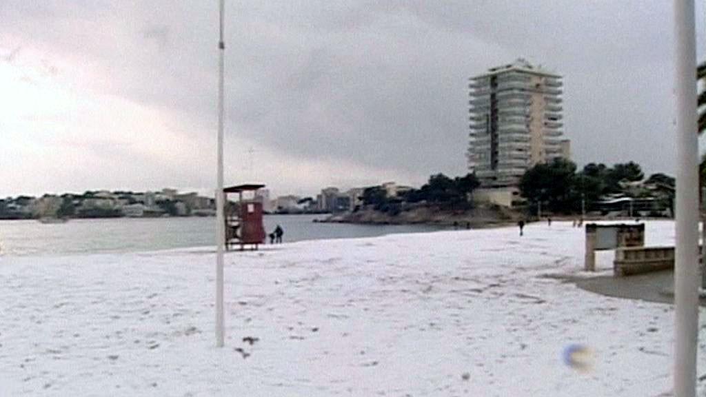 Zasněžená pláž