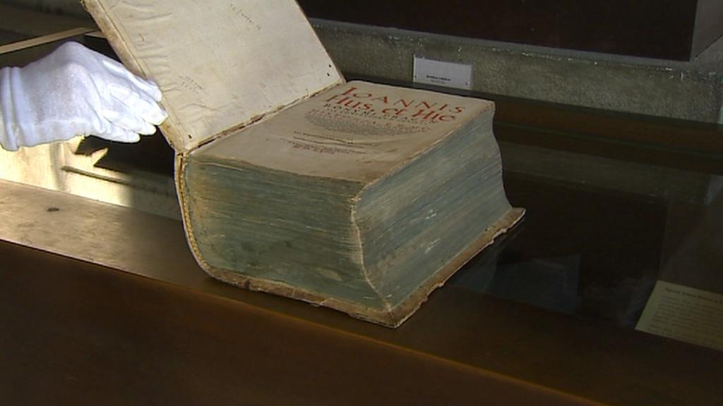 První souborné  vydání spisů Jana Husa a Jeronýma Pražského