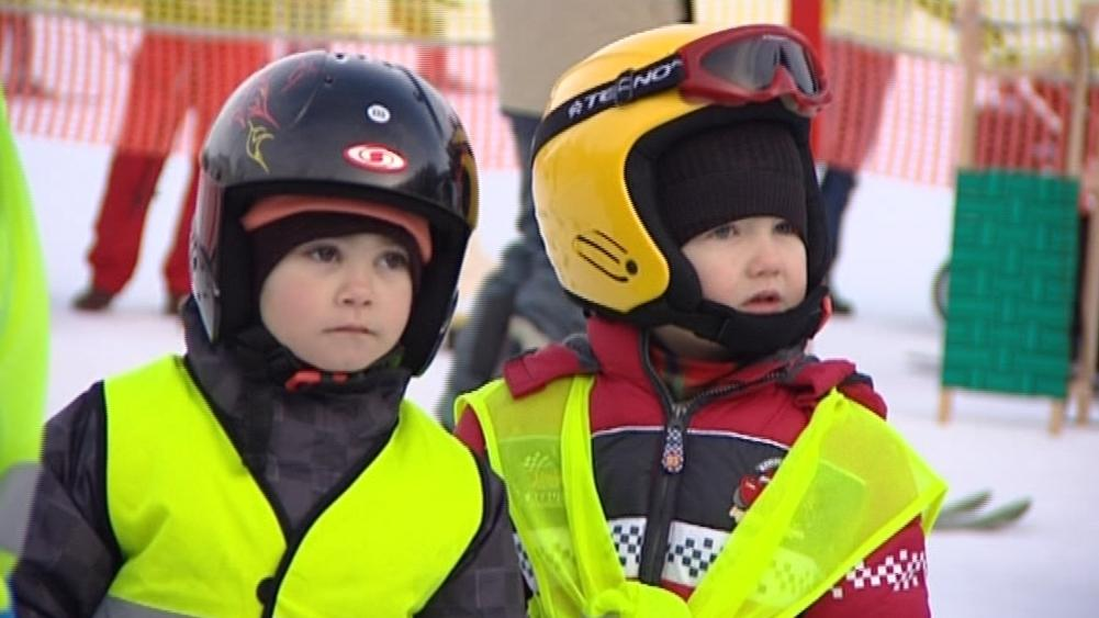 Děti na lyžařském kurzu