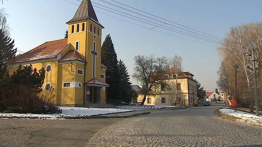Opravený kostel v Jarošově