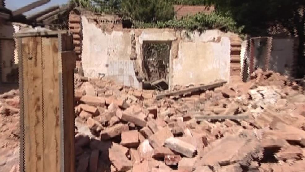 Ruiny, které v Kamenné kolonii zůstaly po domu číslo 38