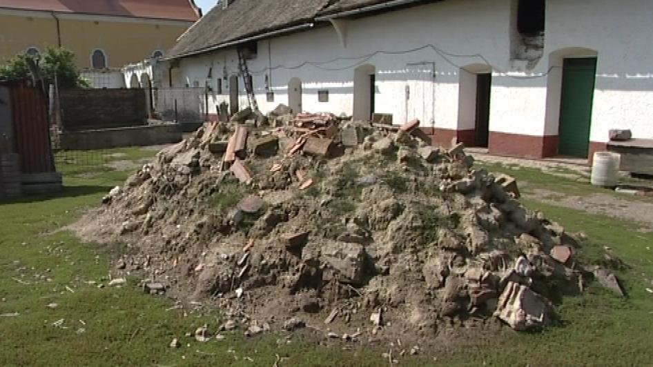 Ruina domu ve Strachoticích