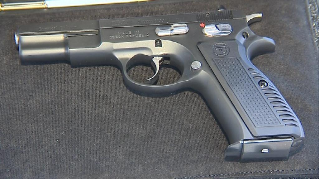 Pistole CZ 75 ohromila při svém představení celý zbrojařský svět
