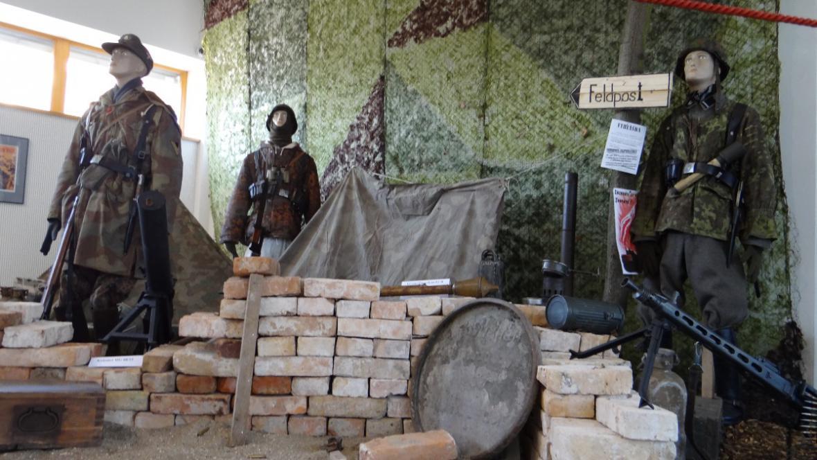 Výstavu pomáhal připravit i břeclavský Klub vojenské historie