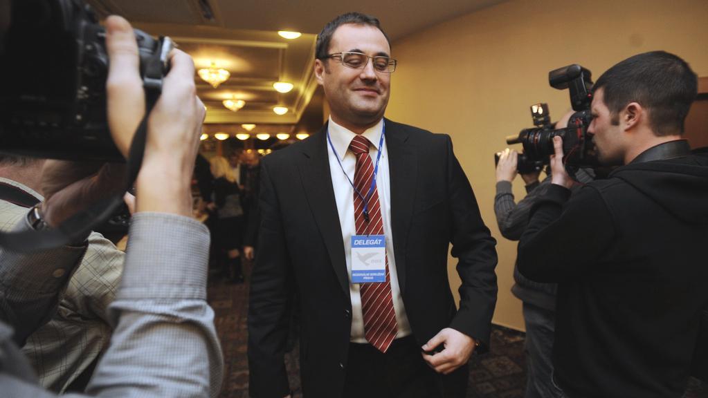 Boris Šťastný přichází na sněm pražské ODS