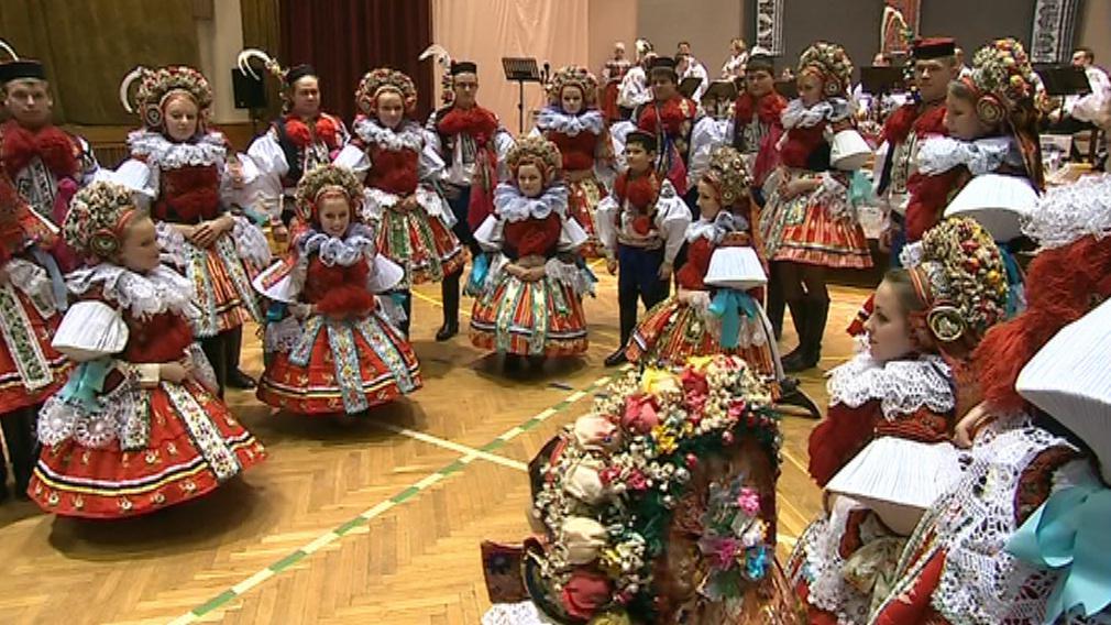 Krojový ples ve Vlčnově
