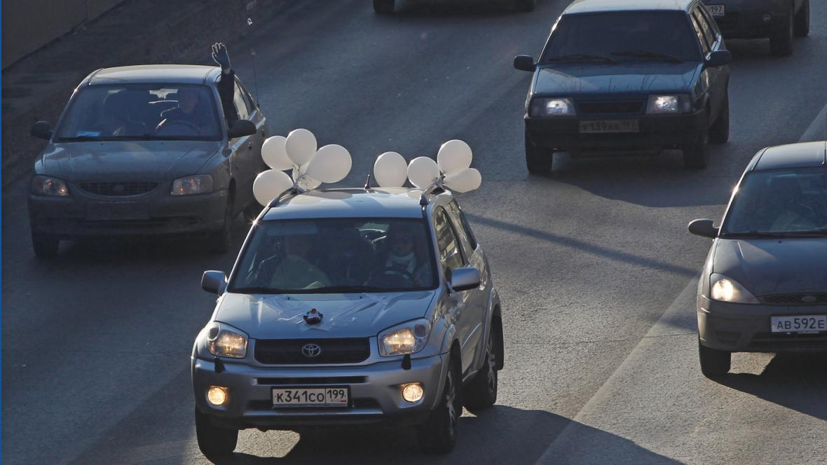 Moskevští automobilisté protestovali proti Putinovi