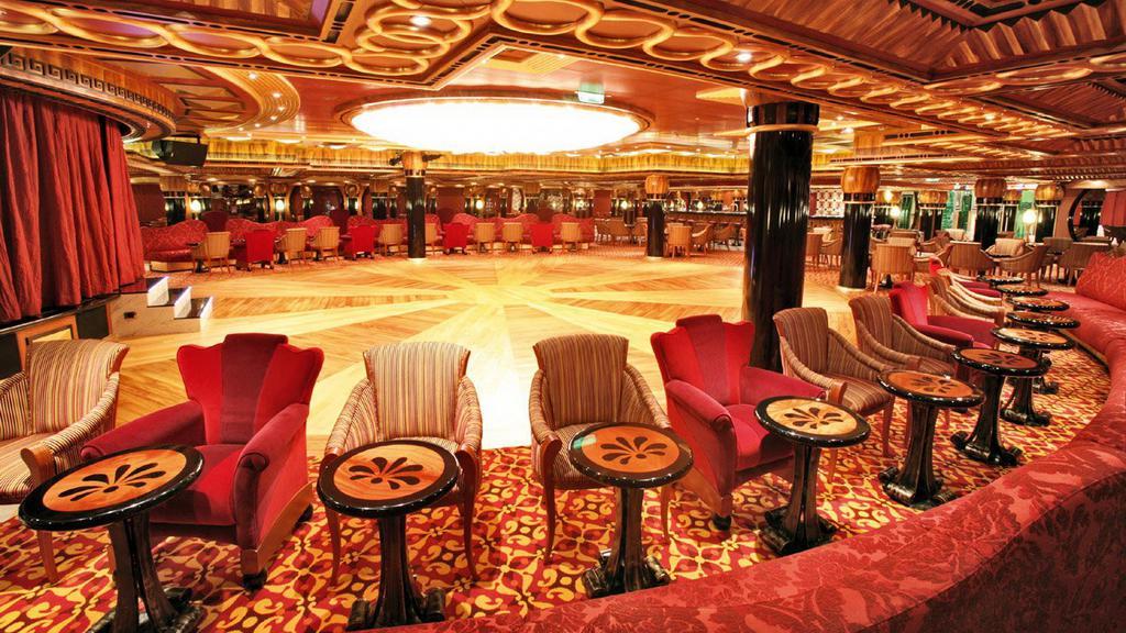 Interiér lodi Costa Concordia