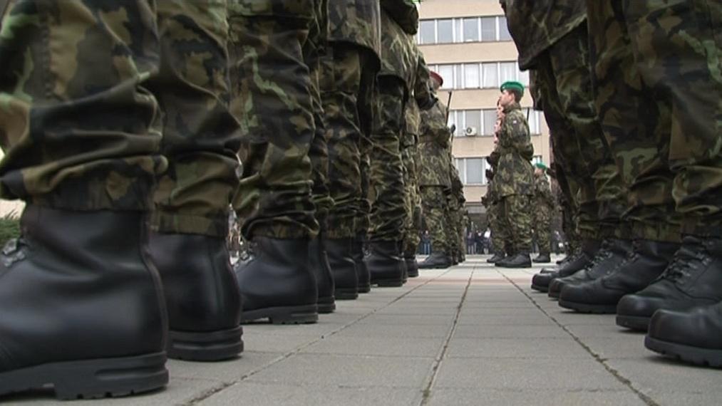 Nastoupení vojáci