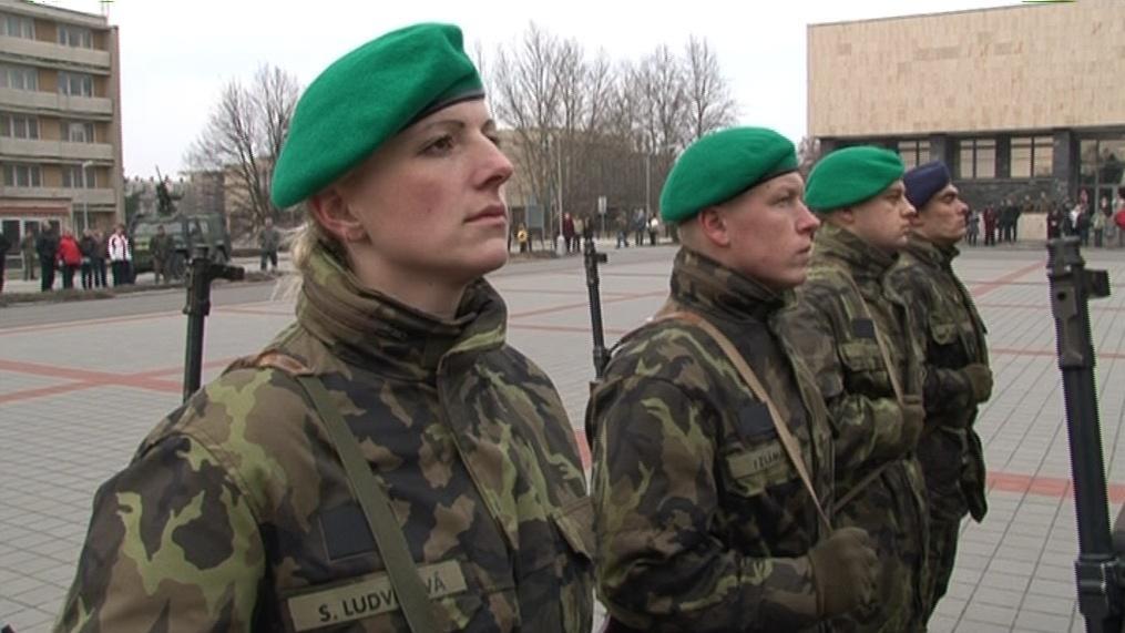 V české armádě je 14 procent žen