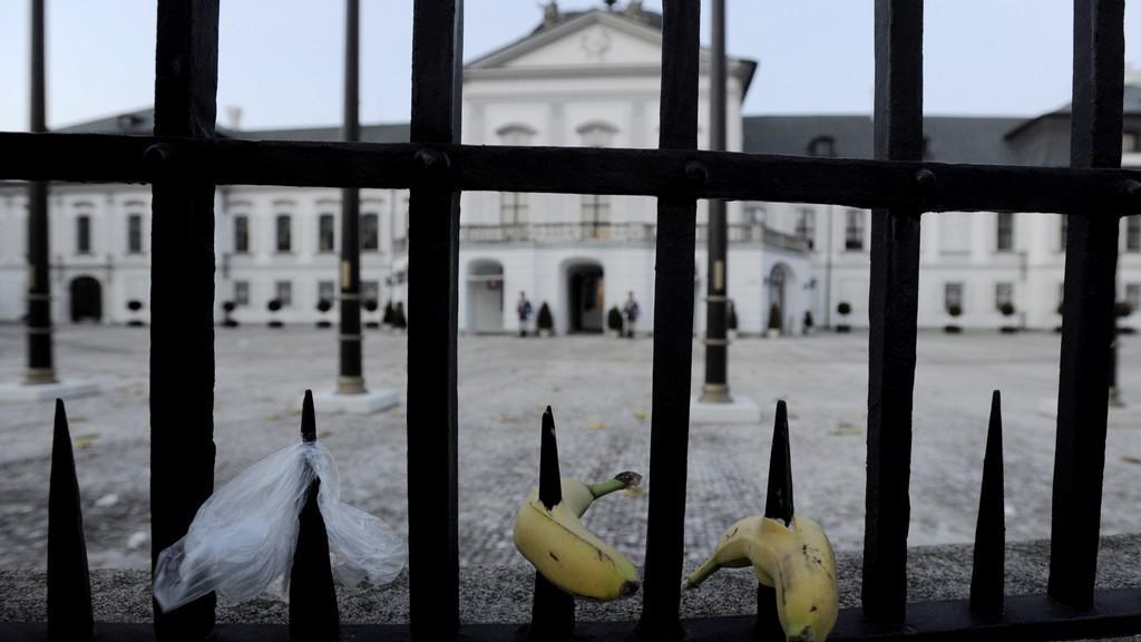 Banány před Prezidentským palácem