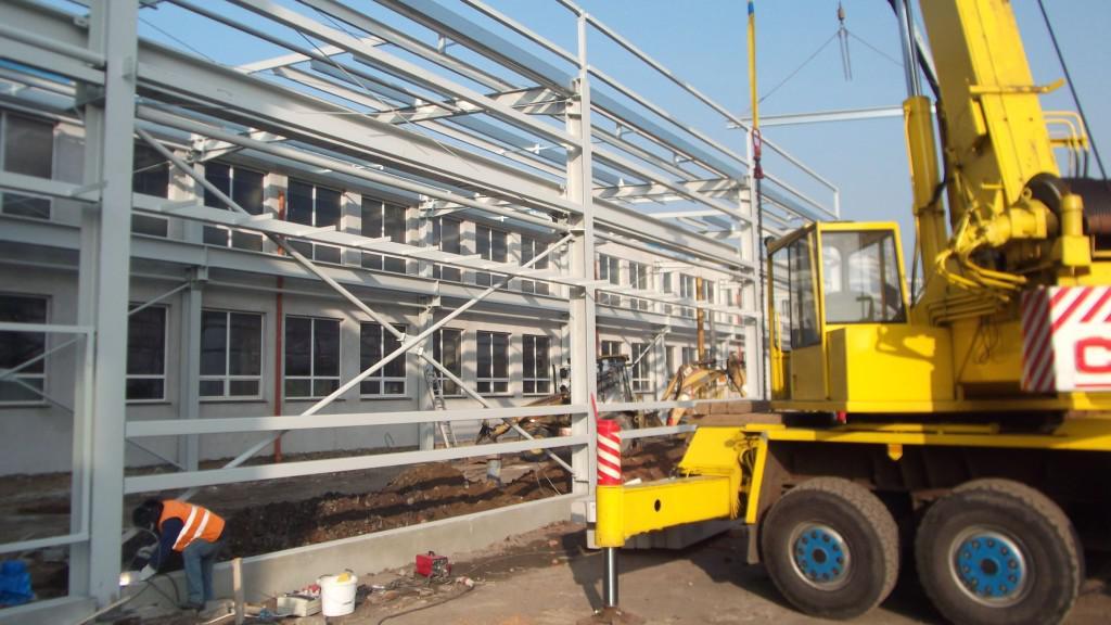 Firmy zahájily obnovu areálu