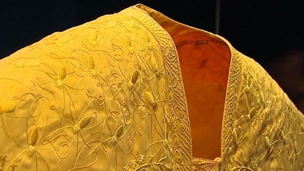Zlatý pavoučí plášť